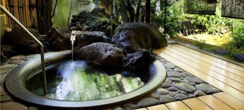 "<alt= ""Hyogo private onsen: Nishimuraya Honkan at hyogo"">"