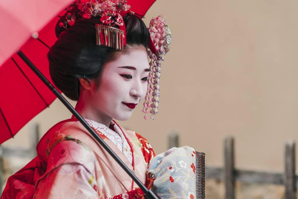 Four areas to meet Geisha in Japan 01