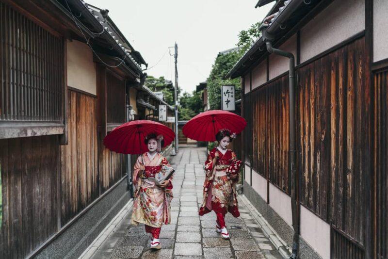Four areas to meet Geisha in Japan 02