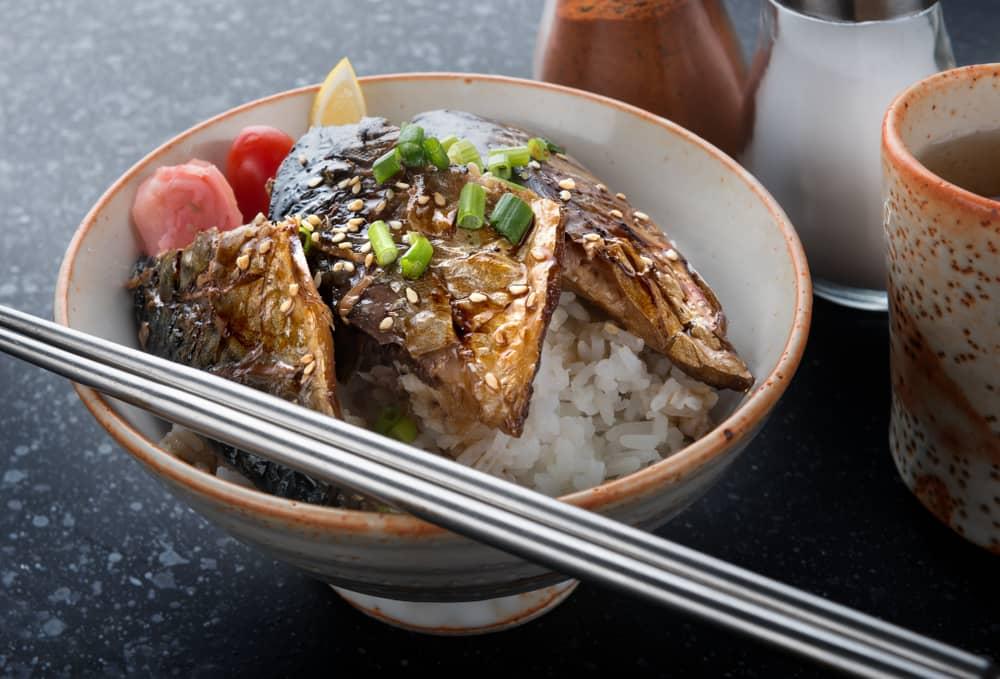 saba-mackerel-fish-grill-teriyaki-sauce-with-rice