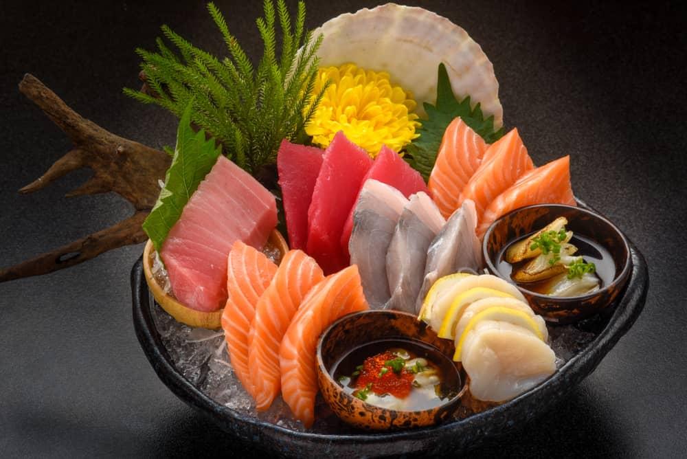 sashimi-japanese-food-set-salmon-wasabi