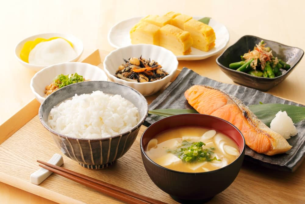 typical-japanese-breakfast